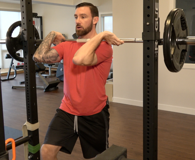 Hey Mr. Trainer… Front squat vs. back squat?